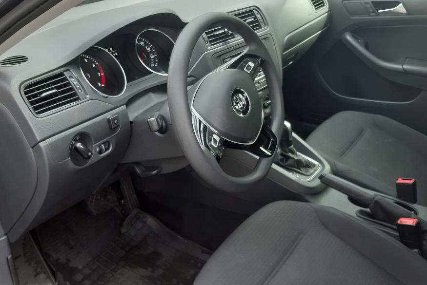 Прокат автомобиля Volkswagen Jetta VI Киев