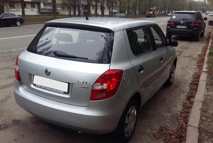 Прокат машины Skoda Fabia Киев