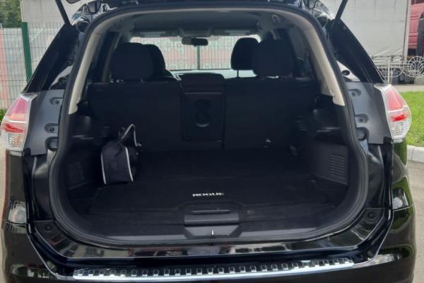Прокат авто Nissan Rogue в Киеве